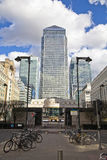 LONDON UK - CANARY WHARF, MARS 22, 2014 västra Indien aveny Royaltyfri Fotografi