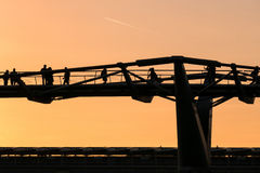 LONDON/UK - 18 DE FEVEREIRO: A ponte do milênio em Londres em fevereiro fotografia de stock