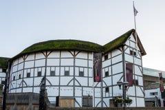 LONDON/UK - 18 DE FEVEREIRO: Teatro do globo em Londres o 18 de fevereiro foto de stock