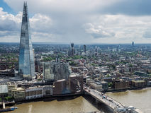 LONDON/UK - 15 DE JUNHO: Vista da construção do estilhaço em Londres em Ju imagem de stock royalty free