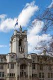 LONDON/UK - 21 DE MARÇO: Fachada da corte suprema do unido Fotos de Stock Royalty Free
