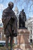LONDON/UK - 21 DE MARÇO: Monumento a Mahatma Gandhi em Londres em M Foto de Stock