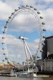 LONDON/UK - 21 DE MARÇO: Vista do olho de Londres em Londres em março Imagens de Stock Royalty Free