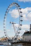 LONDON/UK - 21 DE MARÇO: Vista do olho de Londres em Londres em março Fotos de Stock Royalty Free