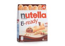LONDON UK - DECEMBER 01, 2017: Nutella B-klara chokladstänger nox på vit Nutella är märkesnamnet av en chokladhasselnöt Royaltyfri Bild