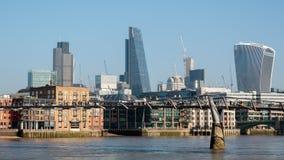 LONDON/UK - 13 FEBBRAIO: Vista dell'orizzonte a Londra su Febru Immagini Stock Libere da Diritti