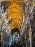 LONDON/UK - 24 FEBRUARI: Binnenlandse Mening van Southwark-Kathedraal i Stock Foto's