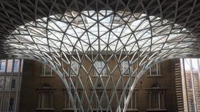 LONDON/UK - 24 FEBRUARI: Koningen Dwarspost in Londen op Febru Royalty-vrije Stock Afbeeldingen
