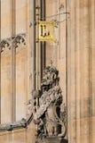 LONDON/UK - FEBRUARI 13: Lejon av England på husen av Parli Royaltyfri Fotografi