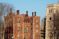 LONDON/UK - FEBRUARI 13: Sikt av den Lambeth slotten i London på Fe Arkivbilder