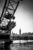 LONDON/UK - FEBRUARI 13: Sikt av det London ögat i London på Fe Royaltyfri Bild