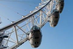 LONDON/UK - FEBRUARI 13: Sikt av det London ögat i London på Fe Arkivbilder