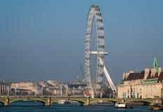 LONDON/UK - FEBRUARI 13: Sikt av det London ögat i London på Fe Arkivfoto