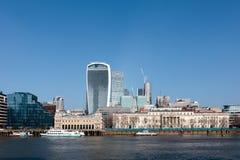 LONDON/UK - FEBRUARI 13: Sikt av horisonten i London på Febru Arkivbilder