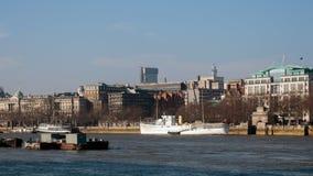 LONDON/UK - FEBRUARI 13: Sikt av horisonten i London på Febru Royaltyfria Foton