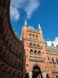 LONDON/UK - 24 FEBRUARI: St Pancras de Bouw van het Renaissancehotel Royalty-vrije Stock Foto's