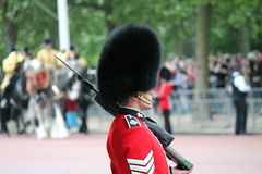 London UK-Juli 06, soldat av den kungliga vakten, Juli 06 2015 i London Royaltyfri Fotografi