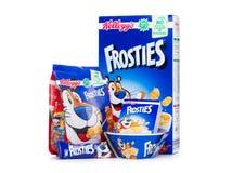 LONDON UK - JUNI 01, 2018: Boxas och packen av sädesslag för frukost för Kellogg ` s Frosties med original- plateonvit Royaltyfri Bild