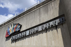 LONDON UK - JUNI 21 2014: Den Southbank mitten, biljettkontor Arkivfoto