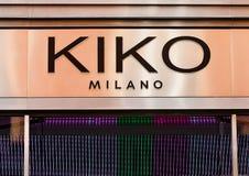 LONDON UK - JUNI 02, 2017: En KIKO-uttagskärm i London Grundat i 1997 av Antonio Percassi, är KIKO Milano ett italienskt märke Royaltyfria Bilder
