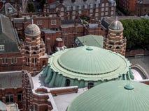 LONDON UK - JUNI 14: En sikt från den Westminster domkyrkan i Londo Royaltyfri Bild
