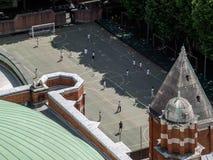 LONDON UK - JUNI 14: En sikt från den Westminster domkyrkan i Londo Arkivbild