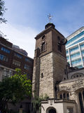 LONDON/UK - 15. JUNI: Kirche St. Olaves im kochenden Weg London Stockfoto
