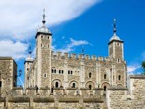 LONDON/UK - 15 JUNI: Mening van de Toren van Londen op 15 Juni, 20 royalty-vrije stock foto's