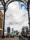 LONDON/UK - JUNI 15: Sikt av HMS-sikten från höGalleria in mot Arkivfoto