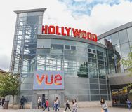 London/UK - Juni 15th 2019 - bio 'för Hollywood gräsplan'Vue, i Wood Green i staden av Haringey royaltyfri foto