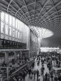LONDON/UK - LUTY 24: Królewiątko krzyża stacja w Londyn na Febru Zdjęcia Stock