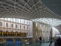 LONDON/UK - LUTY 24: Królewiątko krzyża stacja w Londyn na Febru Obraz Stock