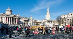 LONDON/UK - 7. MÄRZ: Männliche Gewalttätigkeit des Endes in Richtung zu den Frauen sammeln in T Lizenzfreie Stockbilder