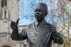 LONDON/UK - 21. MÄRZ: Monument zu Nelson Mandela in London auf M Stockfoto