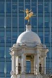 LONDON/UK - 21. MÄRZ: Replik-Statue von Anna Pavlova auf der Schale lizenzfreies stockbild