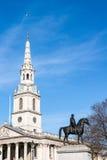 LONDON/UK - 7 MAART: St Martin-in-de-Gebieden Kerk Trafalgar S Stock Afbeeldingen