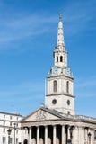 LONDON/UK - 7 MAART: St Martin-in-de-Gebieden Kerk Trafalgar S Royalty-vrije Stock Foto