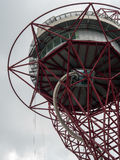LONDON/UK - 13 MAI : La sculpture en orbite d'ArcelorMittal au Qu Photo libre de droits