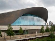 LONDON/UK - MAJ 13: Byggnaden för London Aquaticsmitt i drottning Royaltyfri Bild