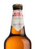 LONDON UK - MAJ 15, 2017: Flaska av Birra Moretti öl på vit, italienskt brygga företag som grundas i Udine i 1859 av Luigi Moret Fotografering för Bildbyråer