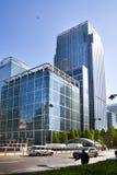 LONDON UK - MAJ 14, 2014: Modern arkitektur för kontorsbyggnader av den Canary Wharf arian den ledande mitten av global finans Royaltyfri Fotografi