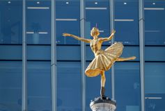 LONDON/UK - MARCH 21 : Replica Statue of Anna Pavlova on the Cup. Ola of the Victoria Palace Theatre in London on March 21, 2018 Stock Photography