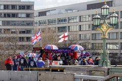 LONDON/UK - 21 MARS : Boutique de souvenirs populaire sur Westminster Brid Photos libres de droits