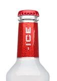LONDON UK - MARS 15, 2017: Flaska av det Smirnoff isoriginalet på vit Etablerad omkring 1860 Ägt och producerat av Diageo från Arkivfoto