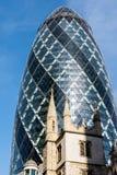 LONDON/UK - MARZEC 7: Widok korniszonu budynek w Londyn dalej Fotografia Royalty Free