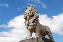LONDON/UK - 21 MARZO: Il leone del sud della Banca sul ponte di Westminster Fotografie Stock