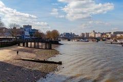 LONDON/UK - 21 MARZO: Vista sul Tamigi a Londra marzo Fotografie Stock Libere da Diritti