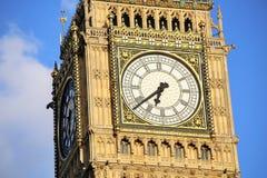 london uk 26 04 2016 Närbildsikt av Big Ben, dagen som den vändes av för renovering Arkivbilder