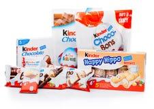 LONDON UK - November 17, 2017: Olik blandning för mer snäll choklad på vit Mer snäll stänger produceras av Ferrero grundade i 194 Royaltyfri Fotografi
