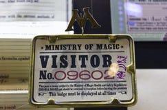 London UK; Oktober 23, 2013; Warner Bros Studios London turnerar, med uppsättningarna och det original- materialet av de Harry P arkivbild